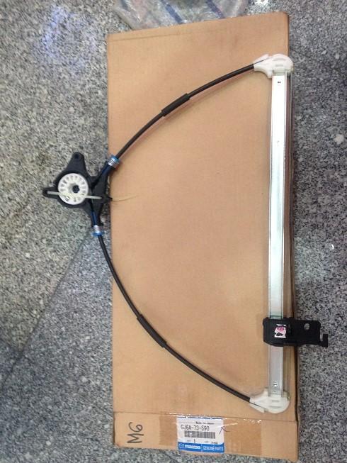 GJ6a-73-590 compa lên xuống kính cửa mazda 6