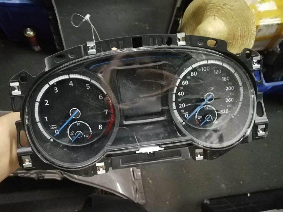 đồng hồ taplo Volkswagen Golf